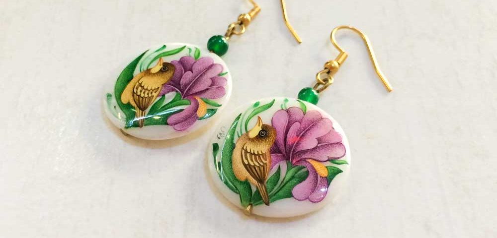 this is a picture of shell earrings